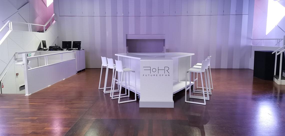 location de mobilier plateauTV pour l'énémentiel - Scénomob