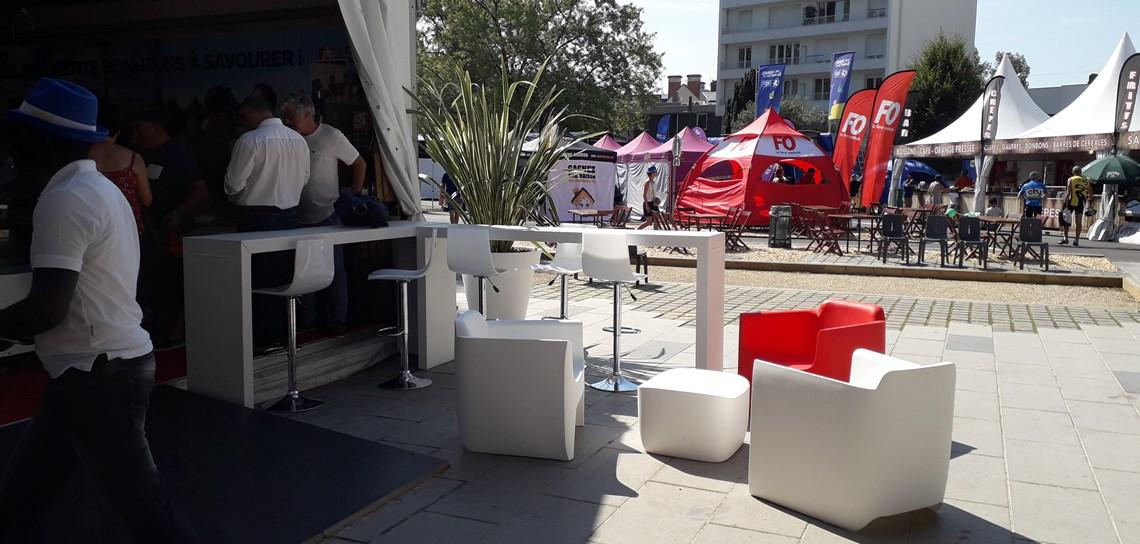 location pour événement public, fauteuils, scenomob, conseil départemental de la Vendée, mobilier événementiel