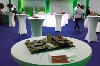 location de mobilier blanc, décor événementiel, scénographie, cocktail, mise en scène, chapiteau, décoration, événement, Vendée