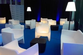 location de fauteuils, mobilier, agencement événementiel, événement, scénographie, scénomob